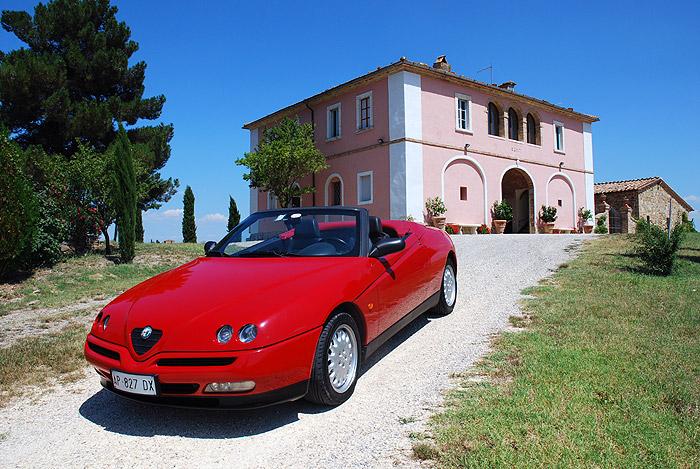 Alfa Romeo Spider hire - Chianti Classic Cars, Tuscany (Italy)