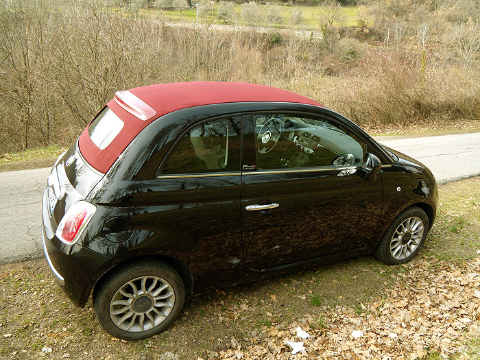 fiat 500 c hire chianti classic cars tuscany italy. Black Bedroom Furniture Sets. Home Design Ideas